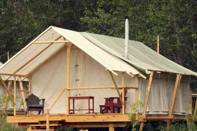 Glamorous Under Canvas Glamping 006