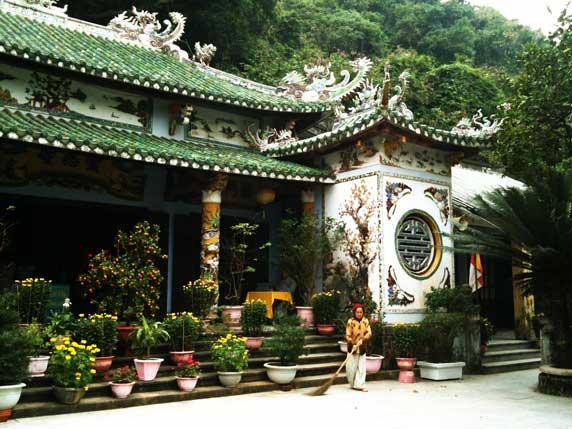 Linh Ung Bai But Pagoda