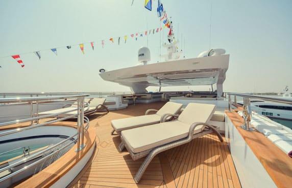 Motor yacht Majesty 155 - Sun Deck Lounge